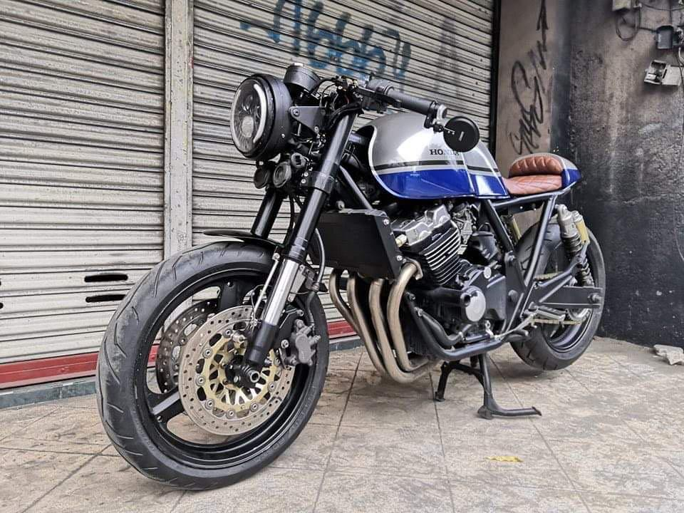 Honda CB400 1995 photo